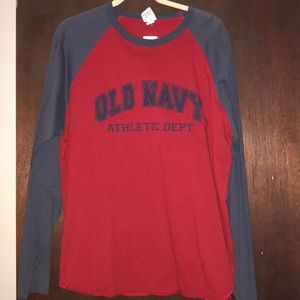 Men's Old Navy long sleeve Tee